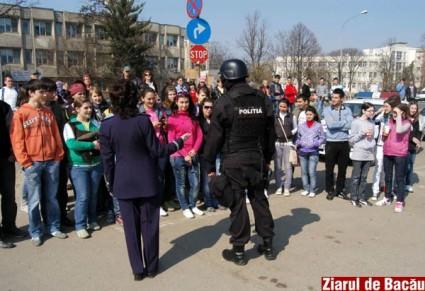 Topul joburilor vizate de tinerii din Bacău și Neamț – medic, psiholog sau polițist