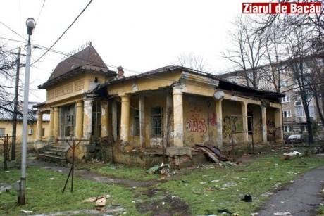 """Consiliul Județean vrea să cumpere """"Casa Alecsandri"""". Luată cu 38.000 de euro, proprietarul italian cere peste 400.000 de euro"""