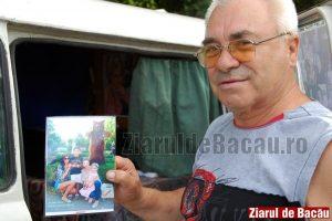 """""""Omul cu ursul"""", fotograful din parcul Cancicov, a fost arestat după ce a fost trimis în judecată pentru pornografie infantilă"""