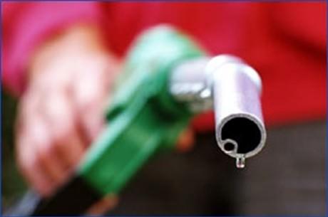 Codul fiscal se modifică din nou: SE SCUMPESC benzina și motorina și se elimină impozitul pe dividende pentru persoanele fizice