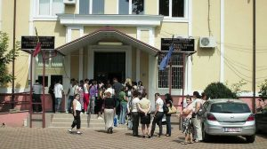 Zeci de posturi libere în unitățile de învățământ băcăuane, chiar și după debutul anului școlar