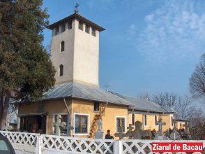 Zeci de biserici băcăuane își serbează astăzi hramul