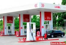 Vastă rețea de evaziune fiscală sprijinită de Lukoil. DIICOT Bacău a făcut arestări