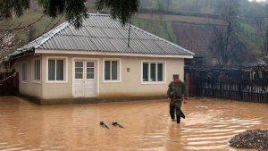 Persoanele afectate de inundații pot primi despăgubiri. Iată care sunt condițiile și ce trebuie făcut!
