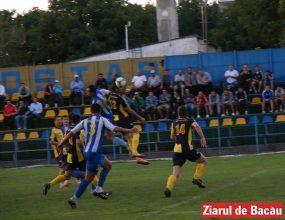 Fotbal, Liga III / Aerostar – Roman 0-3, Moinești – Ceahlăul II 2-1
