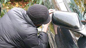 Atenție la hoți! Polițiștii băcăuani avertizează că a crescut numărul furturilor din județ