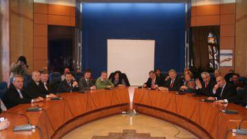 Parlamentarii băcăuanisunt chiulangii și ineficienți