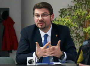 A căzut Guvernul, deputatul Cosmin Necula ia apărarea comercianților de la Romalion