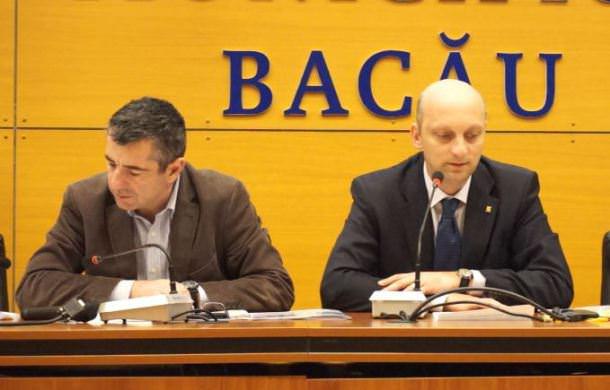 Viceprimarul Iulian Stoican si primarul interimar Vasile Tescaru
