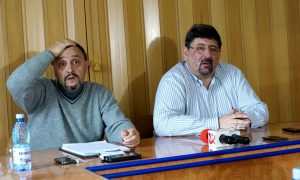 Compania Regională de Apă Bacău amenință că va da apă cu porția din cauza cetățenilor care udă grădinile
