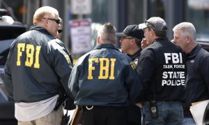 Fiul preşedintelui municipalei Bacău a Partidei Romilor Pro Europa, prins în Bacău de FBI