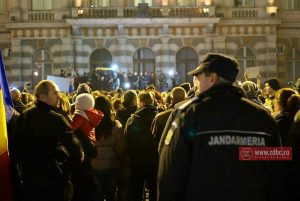 """Protest, duminică, în Piața Tricolorului din Bacău: """"Toți pentru justiție! Toți pentru integritate!"""""""