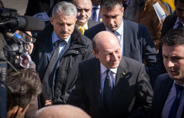Basescu2-00339