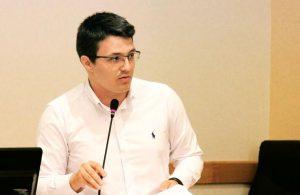Cristian Ghingheș candidează independent la Primăria Bacău