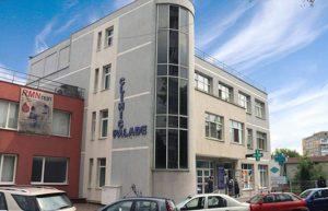 DSP Bacău a găsit nereguli la clinicile Palade și Materna și le-a anulat autorizațiile sanitare. După aceea, au fost reautorizate