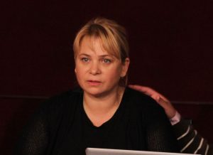 """Procesul Teatrului """"Bacovia"""" cu fosta directoare Anca Sigartău s-a blocat la Tribunal"""