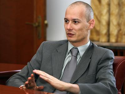 Bogdan Olteanu a divortat. Fosta sotie ramane cu averea si ...  |Bogdan Olteanu