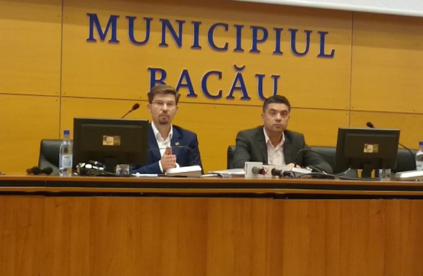 Primarul Cosmin Necula și viceprimarul Dragoș Ștefan