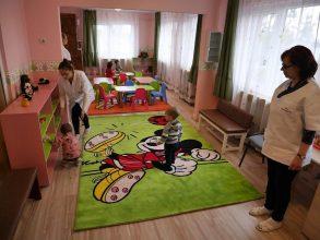 Acte necesare pentru înscrierea copilului la creșă, în Bacău