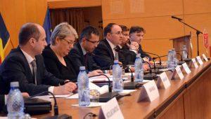 Rezerva de apă a Bacăului și 9 drumuri județene așteaptă semnătura ministrului Sevil Shhaideh