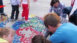 Muzică, dans, teatru și concursuri în Piața Tricolorului. Elevii de la Palatul Copiilor vor o lume fără PET-uri