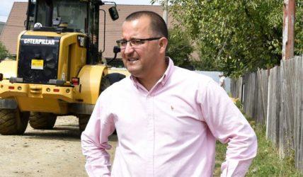 Primarul din Onești, amenințat de un interlop, când se plimba cu familia