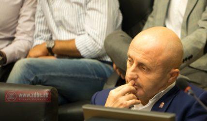 """PSRo Bacău se destramă în public. Cristinel Manolache și Eusebiu Diaconu au """"schimbat amabilități"""" în ședința de Consiliu Local"""