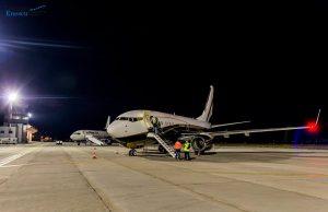 FOTO! Un Boeing 737 privat a aterizat în premieră pe Aeroportul din Bacău