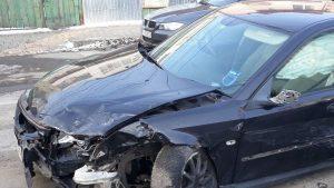 Primăria Bacău caută proprietarii unor vehicule abandonate