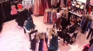 VIDEO: Incident la Arena Mall Bacău. O tânără a furat 2 rochii și a scăpat