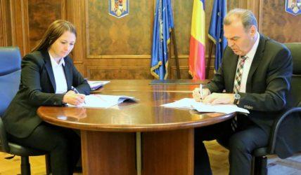 EXCLUSIV! Astăzi a fost semnat contractul de finanțare pentru modernizarea pistei Aeroportului din Bacău
