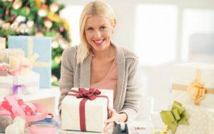 Când se oferă cadouri femeilor din viața ta?