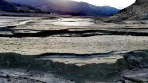 peisaj lacul valea uzului
